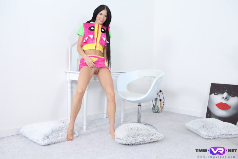 Dark-haired babe performs striptease VR Porn