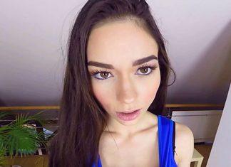 Arwen Gold Casting VR Porn