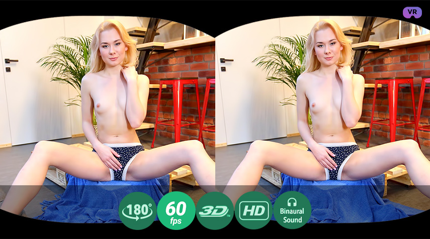 Blonde, Hot And Beautiful VR Porn